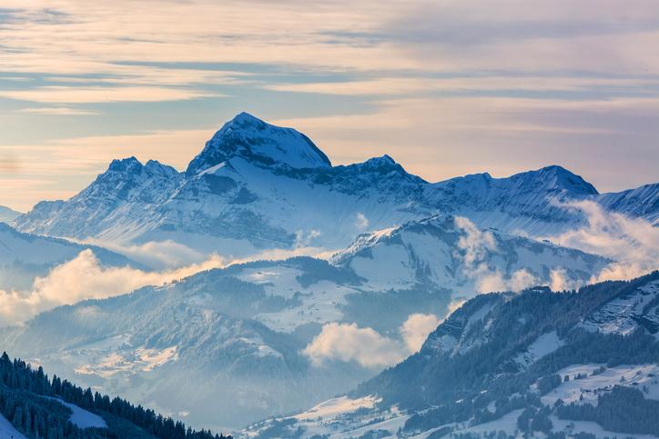 山のイメージ画像