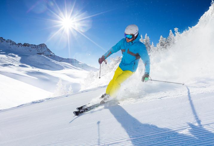 スキーヤーの画像