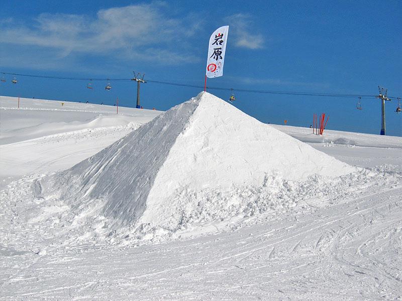 岩原スキー場の雪