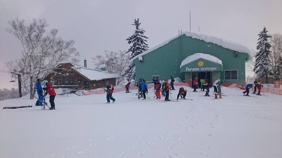 富良野スキー場のリフト降り場